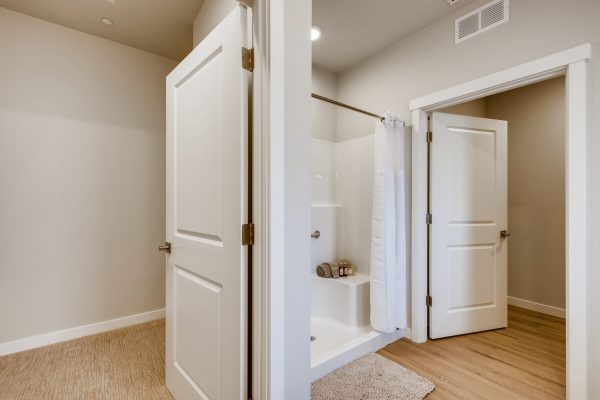 Walk-In Closet Master